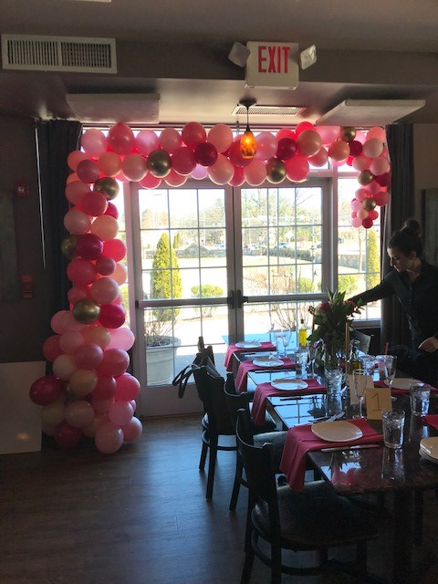 Balloon garland pinks