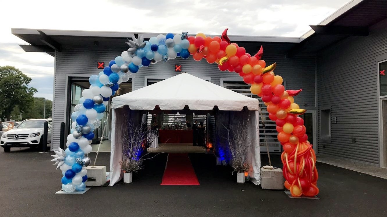 fire and ice balloon arch