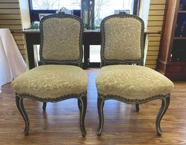 Where to find Vintage upholstered chair set in New Britain
