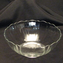 Where to rent Glass Petal Bowl 1 Qt in The Greater Philadelphia area, New Britain PA, Doylestown PA, Lansdale PA, New Hope PA